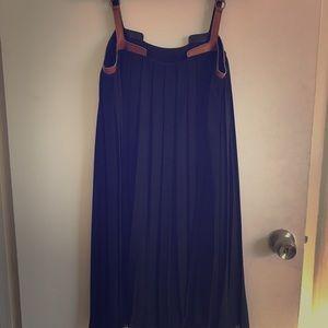 Black pleated layering dress